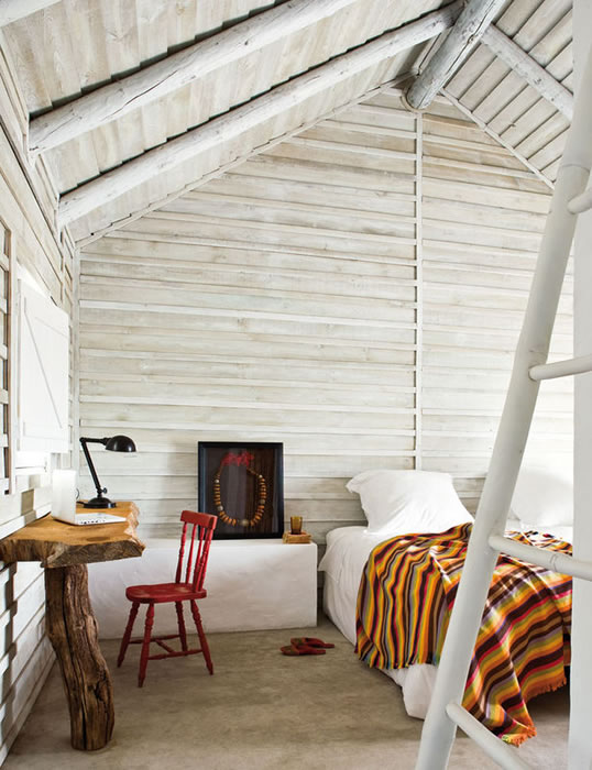 14 morning-wood-workspace-in-the-bedroom-wooden