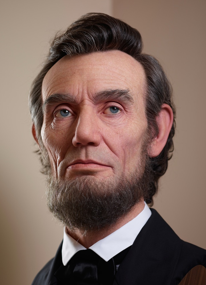 Shockingly Realistic Sculpture Portrays Abraham Lincoln 2